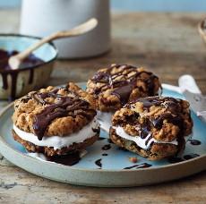 chocolate-oatmeal-moon-pies