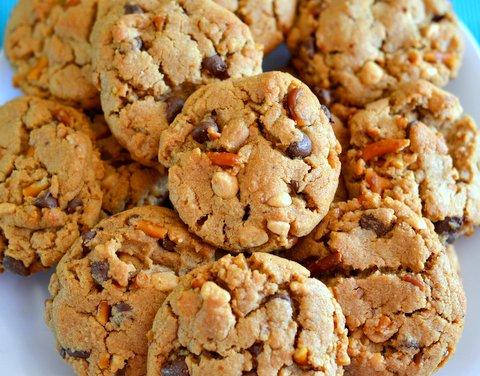 Plate-of-cookies